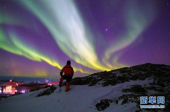 """(第34次南极科考·图文互动)(2)通讯:南极的""""寂寞生存"""""""